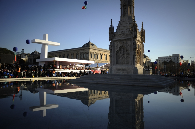 <p>General view of people taking part in a Catholic mass in central Madrid on Dec. 30, 2011.</p>
