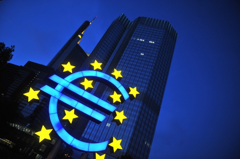 <p>A huge symbol of the euro is placed in front of the European Central Bank (ECB) late on June 1, 2008 in Frankfurt.</p>