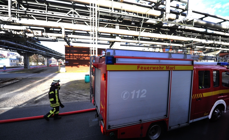 <p>A tank exploded at the Evonik Degussa plant in the western city of Marl on Saturday and started a blaze, which about 100 firefighters managed to bring under control.</p>