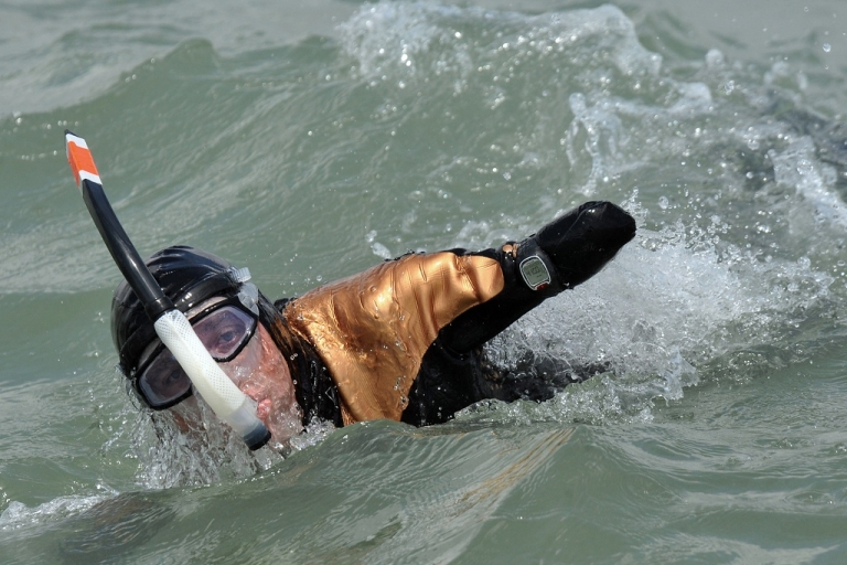 <p>This file picture taken on May 27, 2010 shows French amputee Philippe Croizon swimming in the sea off the coast of France. He has begun swimming from PNG to Indonesia in the first part of four swims around the world.</p>