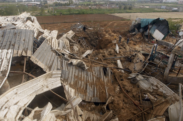 <p>Missiles fired from Israeli warplanes also struck an empty house in Rafah, as well as areas east of Khan Younis and near the Karni crossing east of Gaza city.</p>