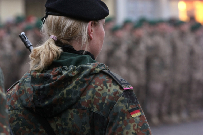 <p>German's Bundeswehr is trying to attract more female soldiers.</p>
