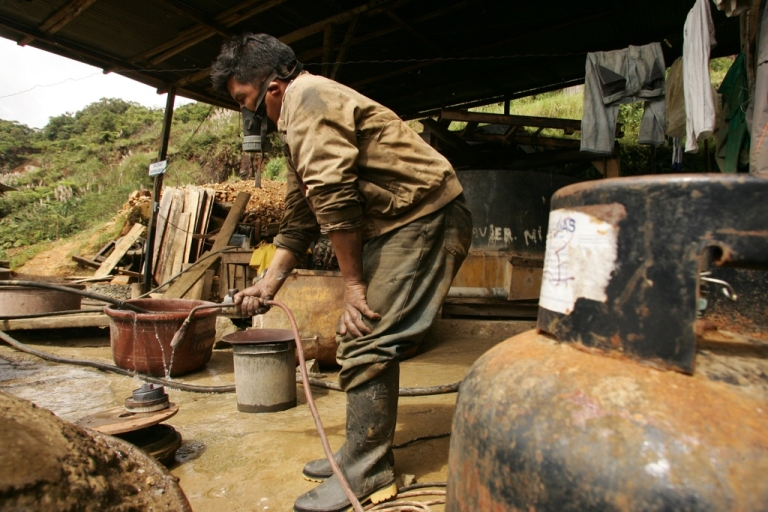 <p>Independent miner Isidro Jayo employs mercury to separate the gold from the gravel at his mine near Nambijain southern Ecaudor, on Feb. 28, 2008.</p>