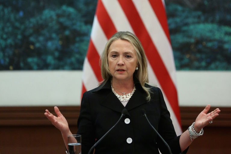 <p>Secretary of State Hillary Clinton today called for closer trade relations with Russia as US lawmakers seek to punish Moscow on rights.</p>