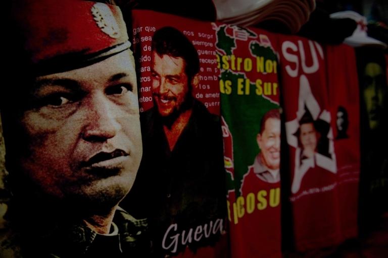 <p>T-shirts with images of Venezuela's President Hugo Chavez and revolutionary leader Ernesto