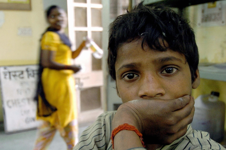 <p>Indian tuberculosis patient Rampal waits to get his medicine at the L.N. J.P. hospital in New Delhi, 23 March 2004.</p>