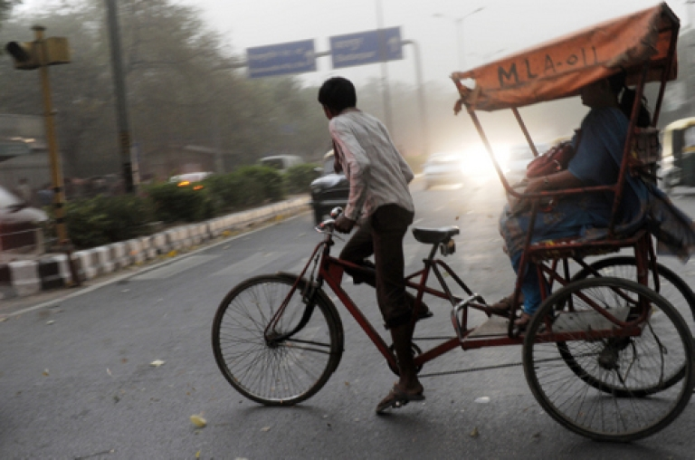 <p>Zero emissions: Some Indian communities, and even rickshaw pullers, are fighting for their right to walk and bicycle.</p>