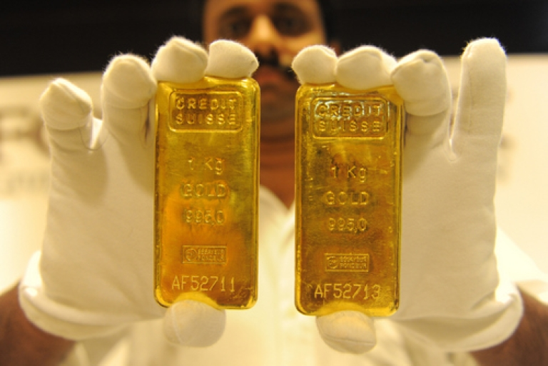 <p>French police are searching for the person who abandoned a suitcase containing 44 lbs of fake gold bars, found on board the RER train at Massy-Palaiseau station, near Paris. The gold bars pictured here are the real deal.</p>