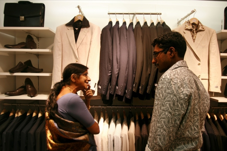 <p>Locals shop on April 14, 2008 in Bangalore, India. India's new middle class is more than 300 million, and growing.</p>