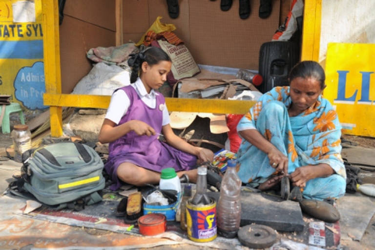 <p>The Indian government scrapped its current definition of the poverty line and promised to set up a new committee to revise its methodology for determining the numbers of the poor, following a controversy over the latest figures.</p>