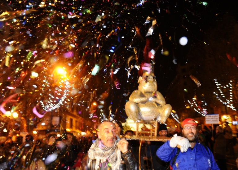 <p>3,000 people fill Madrid's Puerta del Sol as the Indignados mount their biggest demonstration in months against planned austerity cuts by Spain's new right-wing government</p>