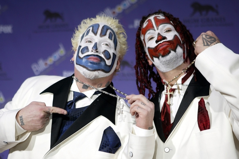 <p>The Insane Clown Posse attends the 2003 Billboard Music Awards at the MGM Grand Garden Arena December 10, 2003 in Las Vegas, Nevada.</p>