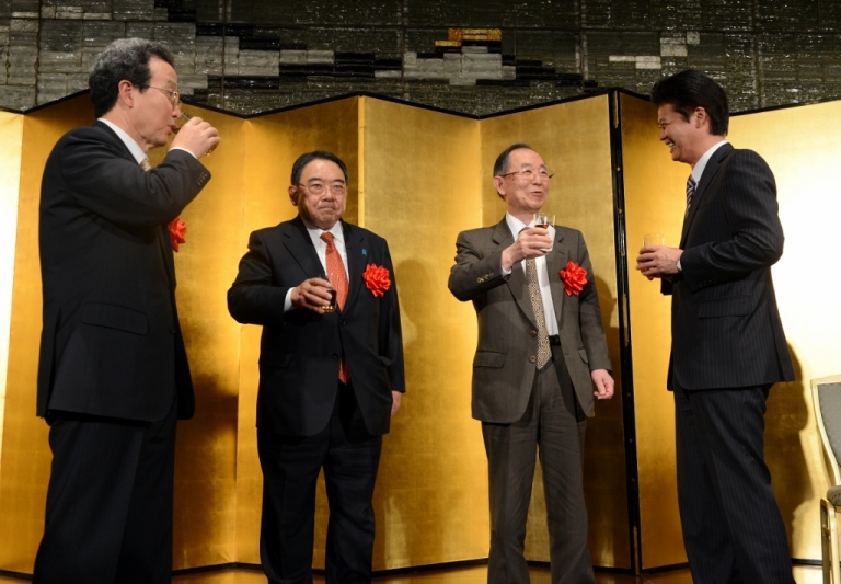 <p>Japanese Foreign Minister Koichiro Gemba toasts with Chinese ambassador to Japan Cheng Yonghua Dec. 20, 2012 in Tokyo, Japan.</p>