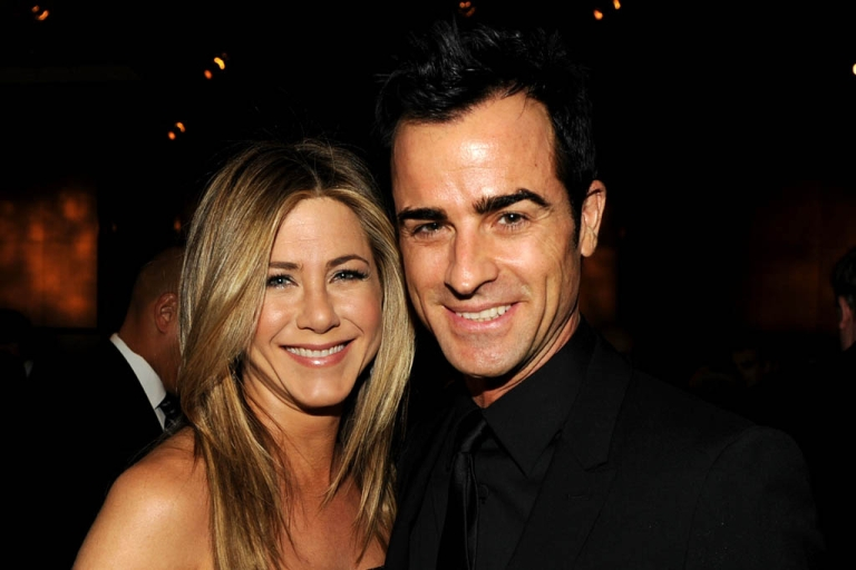 <p>'Friends' star Jennifer Aniston confirmed she is engaged to boyfriend Justin Theroux. Theroux popped the question at his 41st birthday celebration.</p>