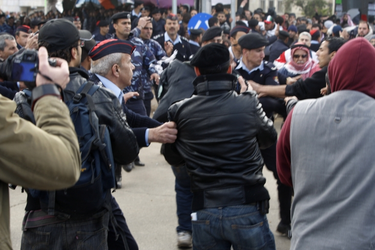 <p>Jordanian protesters demanding government reforms joined an encampment at a central squarein Amman, Jordan on March 25, 2011. Dozens were injured in clashes in the protest camp between 2000 protesters and around 300 King supporters who threw rocks on them. (Salah Malkawwi/ Getty Images)</p>