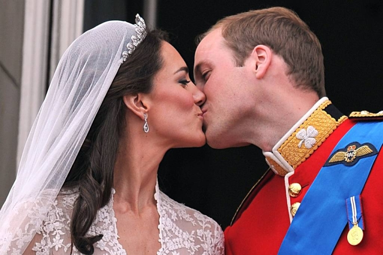<p>The start of a beautiful fairytale: William and Kate kiss on the balcony of Buckingham Palace in London on their wedding day (April 29, 2011).</p>