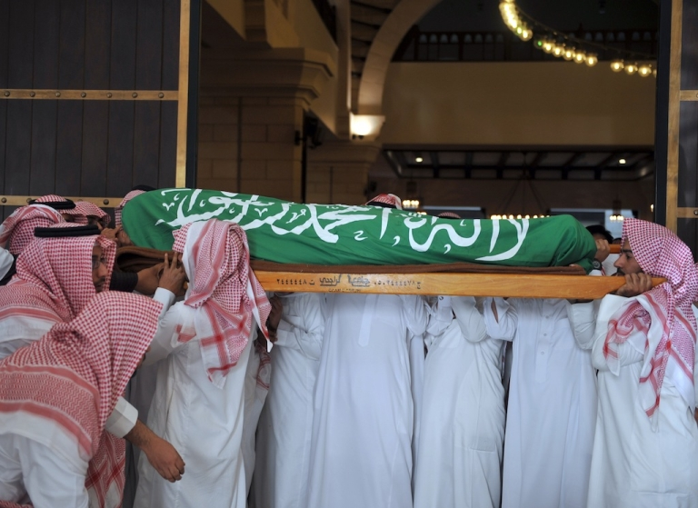 <p>Relatives and friends of Saudi diplomat Khalaf Ali, the second secretary at the Saudi Arabian embassy in Bangladesh, carry his body during his funeral in Riyadh, on March 9, 2012.</p>