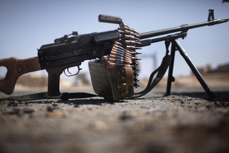 <p>A M249 light machine gun used by Libyan rebels.</p>