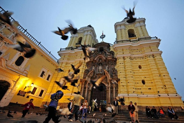 <p>A moderate quake rocked the city of Lima, Peru, on Tuesday.</p>