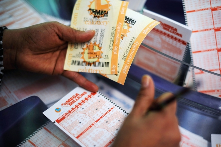 <p>Thuan Le, mother of four boys, plans to use her winnings to buy a house, travel, and visit her parents in Vietnam with her $14 million lottery winnings.</p>