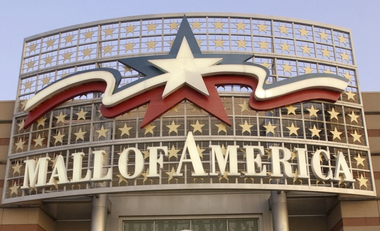 <p>Police arrested 10 people after a massive post-Christmas brawl at the Mall of America in Bloomington, Minnesota.</p>
