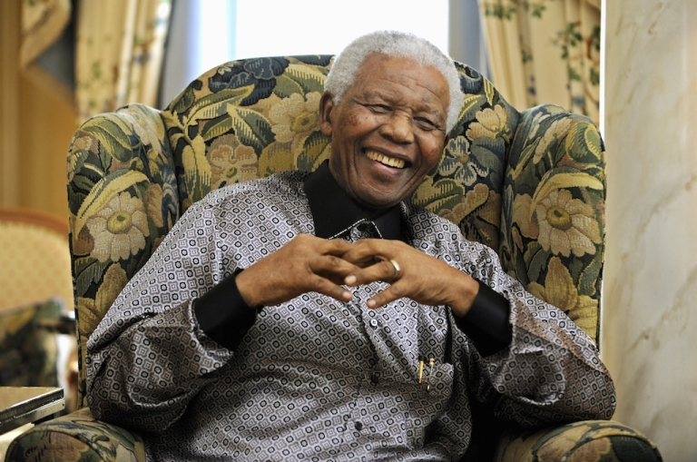 <p>Former South African president Nelson Mandela is pictured during a meeting with Britain's Prime Minister Gordon Brown in central London on June 24, 2008.</p>