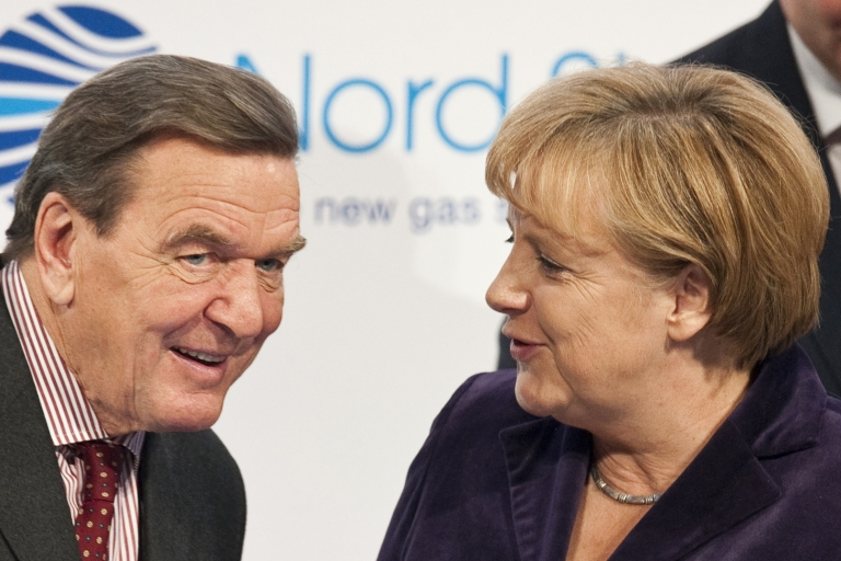 <p>He lost, she won: Gerhard Schroeder's reforms propelled his rival Angela Merkel to the chancellorship.</p>