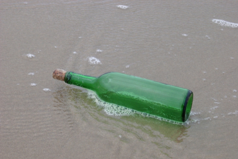 <p>Four-year-old Jasmine Hudson threw a glass bottle with a short note into the English Channel while on vacation with her parents in Bournemouth. Five months later the bottle washed up on a beach in South Australia.</p>
