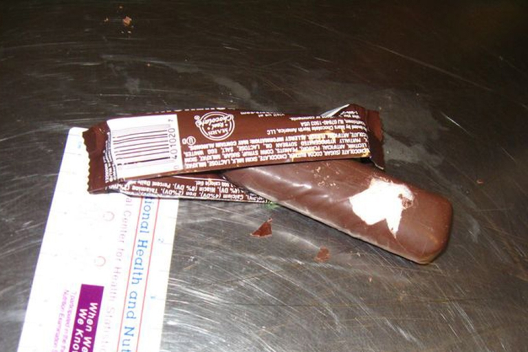 <p>A California man is accused of trying to smuggle more than 4 pounds of meth to Japan in Snickers candy bars.</p>