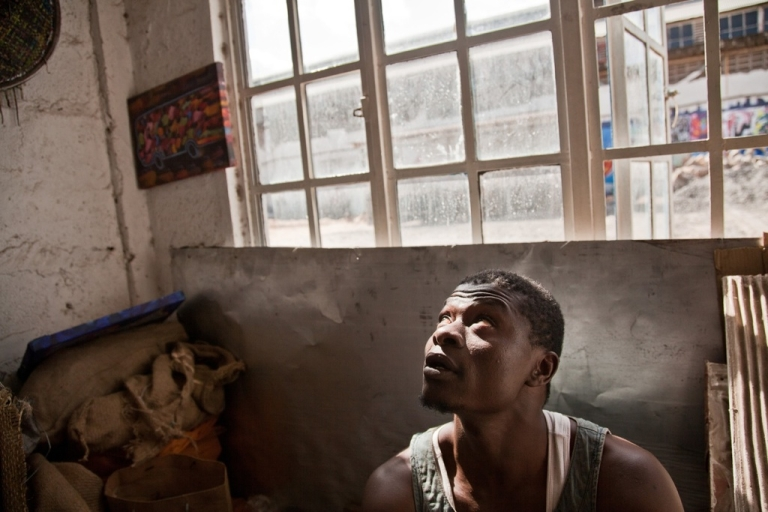 <p>Rising paint prices forced Kenyan artist Dickens Otieno, 32, to search for free raw materials to continue his work. Today he recyles tin cans into a canvas of woven metal.</p>
