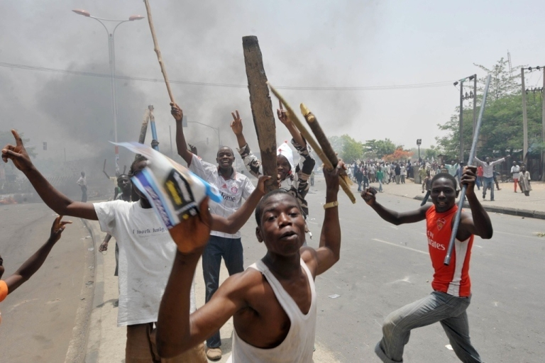 <p>Rioting by youths in Nigeria's northern city of Kano, on April 18, 2011 after President Goodluck Jonathan headed for an election win.</p>