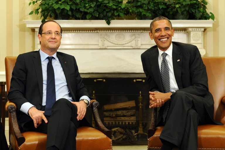 <p>US President Barack Obama and French President Francois Hollande smile during a bilateral meeting in the Oval Office at the White House in Washington, DC, on May 18, 2012 in advance of the G8 and NATO Summits.</p>