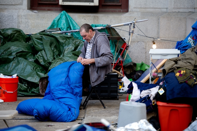 <p>Occupy Philly demonstrators pack up as they approach Sunday's 5 pm deadline.</p>