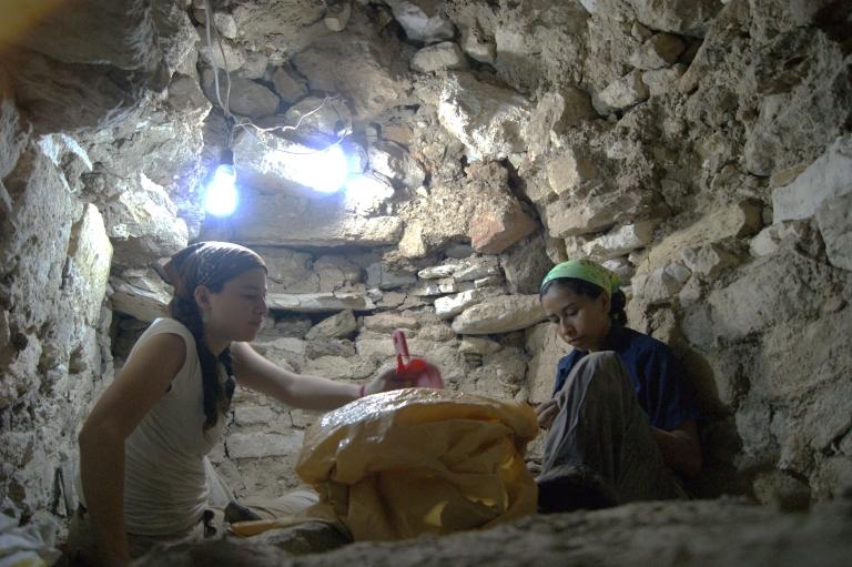 <p>Archaeologists Olivia Navarro Farr and Griselda Griselda Perez work at the El Peru Waka site in Guatemala. Courtesy of Olivia Navarro-Farr.</p>