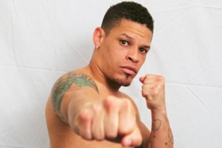 <p>Orlando Cruz</p>