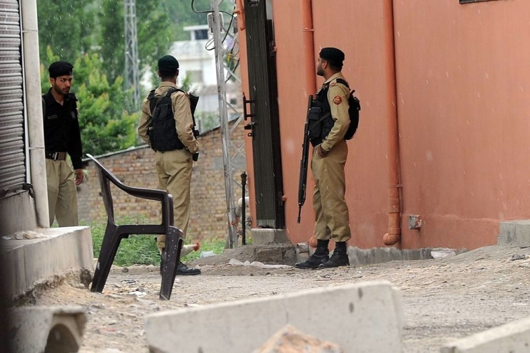 <p>At least 14 Pakistani soldiers were killed by a roadside bomb in the northern border region of North Waziristan.</p>