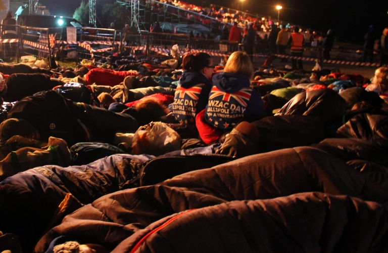 <p>Australians and New Zealanders sleep outside before a ceremony marking the 98th anniversary of Anzac Day at Anzac Cove, in western Canakkale, on April 25, 2013.</p>