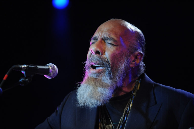 <p>Richie Havens performs at the 'Woodstock 40th Anniversary' Blu-Ray release party at Hard Rock Cafe - Times Square June 4, 2009 in New York City.</p>