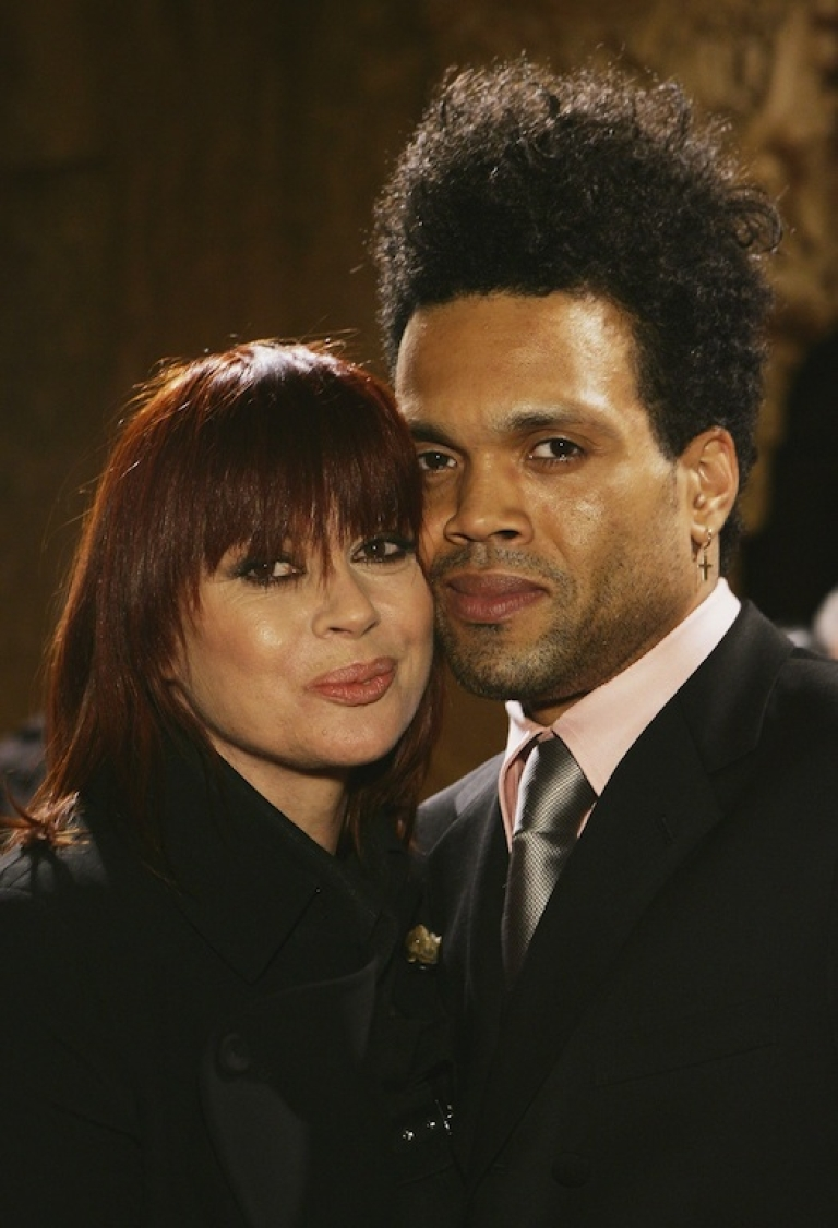 <p>Divinyls lead singer Chrissy Amphlett and her husband, Charley Drayton, arrive at the ARIA Hall of Fame at the Regent Theatre on August 16, 2006 in Melbourne, Australia.</p>