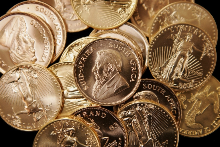 <p>If Cyprus sells off its gold reserves it will be the biggest sale of bullion by a euro zone central bank since France sold 17.4 tonnes in 2009.</p>