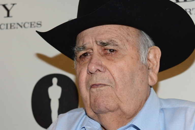<p>Actor Jonathan Winters arrives at The Academy of Motion Pictures Arts and Science's