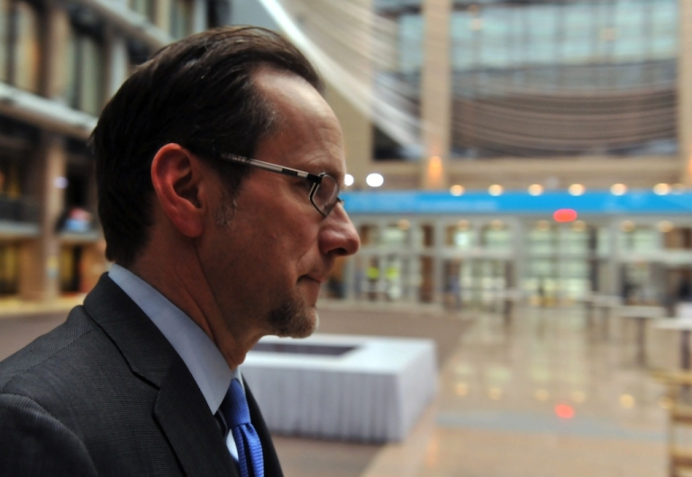 <p>John Clint Williamson, the 51-year-old American at the head of the European Union investigation into one of the most gruesome and politically sensitive affairs of the times — allegations of organ trafficking in the 1990s implicating Kosovo's current leadership — arrives at EU headquarters in Brussels. Five doctors have been found guilty; the two politicians were acquitted.</p>