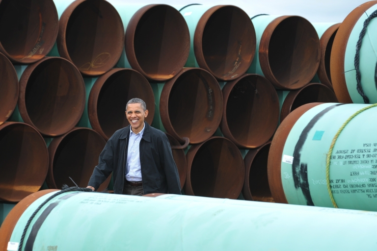 <p>US President Barack Obama arrives to speak at the TransCanada Stillwater pipe yard in Cushing, Oklahoma. Obama spoke about the Keystone XL pipeline and his energy policies.</p>