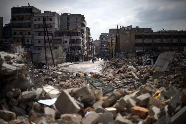 <p>A picture shows destruction in the Al-Sukkari district of the northern Syrian city of Aleppo on April 5, 2013.</p>