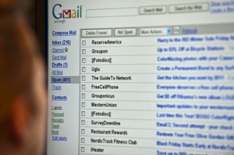 <p>Indian government said to be banning use of Gmail and other American email clients for government workers in light of NSA scandal.</p>