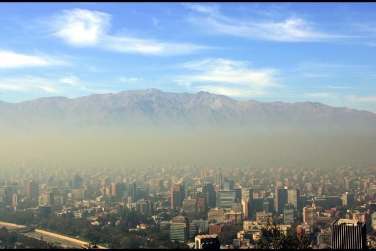 <p>This 2006 photo shows the city of Santiago, Chile covered in a later of smog.</p>