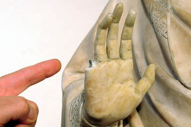 <p>An American tourist visiting Florence's Museo dell'Opera del Duomo accidentally broke a finger off a 14th century statue on display.</p>