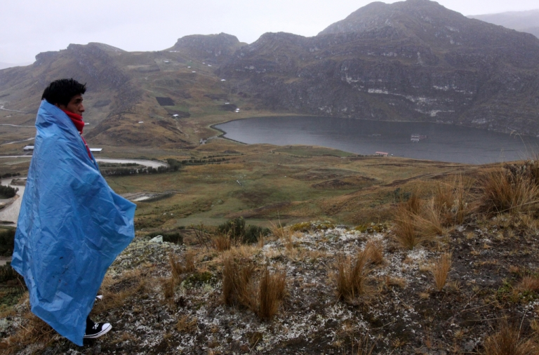 <p>A peasant camping near the Conga mining project looks at the Laguna de Mamacocha on October 08, 2012, about 870 km northeast from Lima.</p>