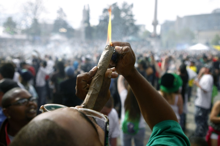 <p>Thousands gathered to celebrate Colorado's medicinal marijuana laws and collectively light up at 4:20 p.m. in Denver's Civic Center Park, April 20, 2012.</p>