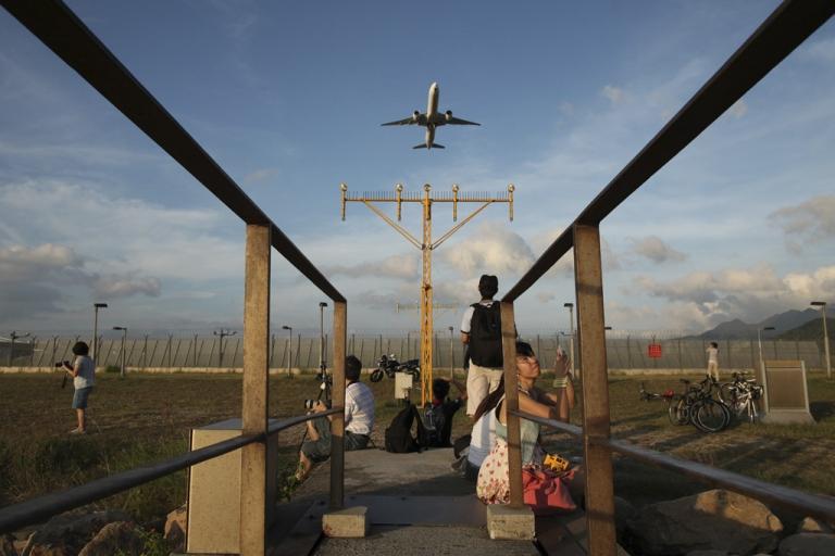 <p>An aircraft takes off from Hong Kong international airport.</p>